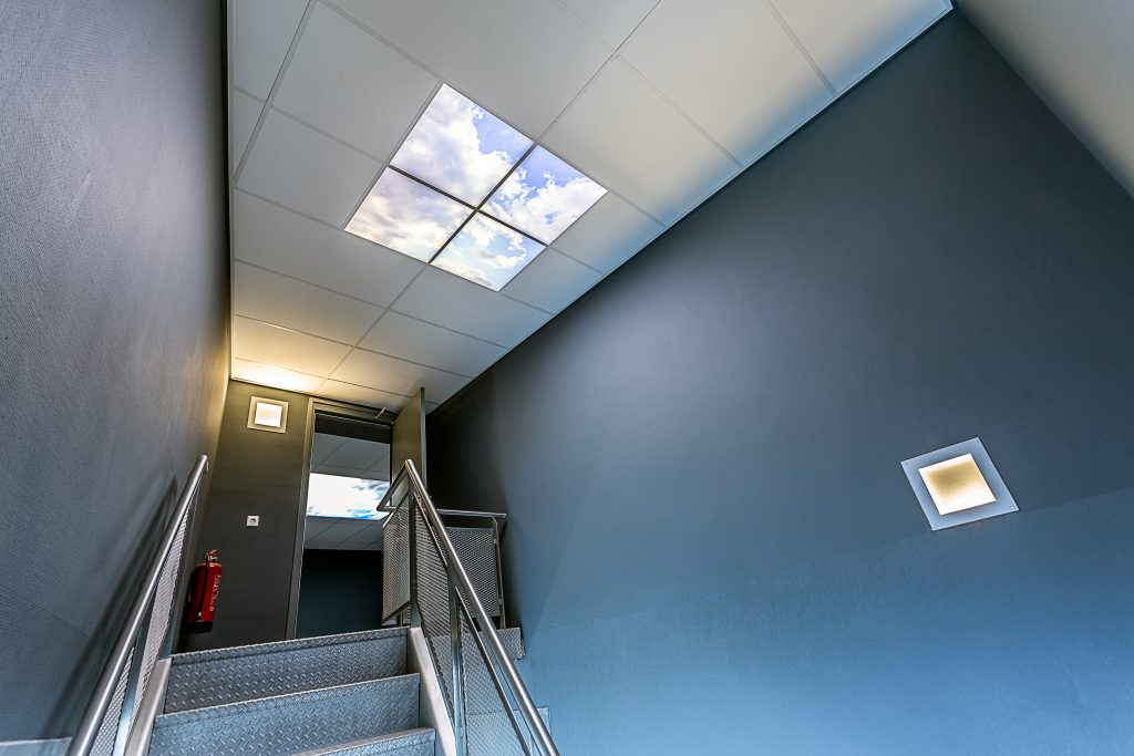 Fotoplafonds toegepast in trappenhuis